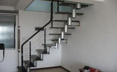 家用钢结构楼梯
